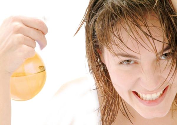غسل الشعر خطوة خطوة