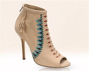 حذاء من مجموعة جيمي شو لربيع وصيف 2011