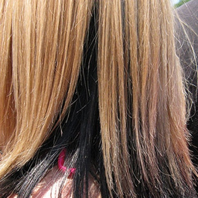 للمحافظة على لمعان شعري بعد تلوينه؟