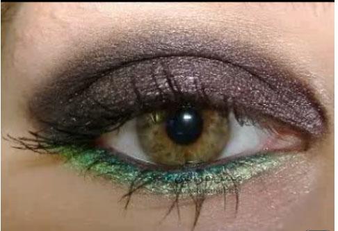 للعيون لغة تحاكي الجمال