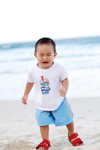 لماذا يخاف الطفل الصغير من البحر؟