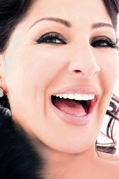 لابتسامة مثالية في ثلاث خطوات