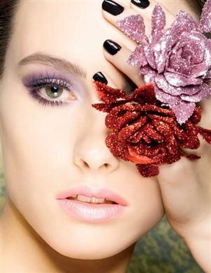 الأرجواني مع الوردي