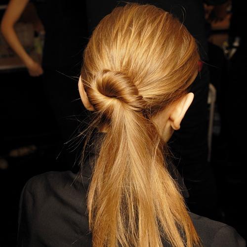 الشعر المربوط
