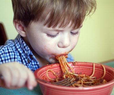 اللحوم المعالجة تزيد خطر الإصابة بسرطان الدم بالأطفال